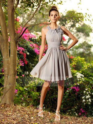 A-Line/Princess Scoop Chiffon Hand-Made Flower Sleeveless Knee-Length Bridesmaid Dresses