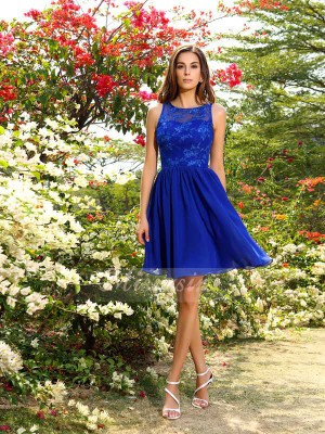 A-Line/Princess Bateau Chiffon Applique Sleeveless Knee-Length Bridesmaid Dresses