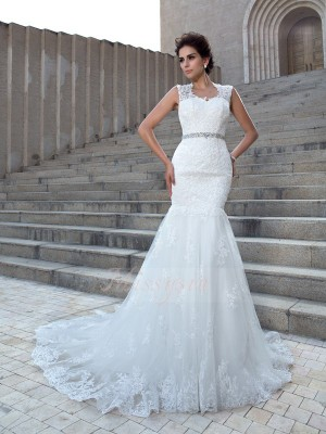 Trumpet/Mermaid Sleeveless V-neck Applique Lace Chapel Train Wedding Dresses