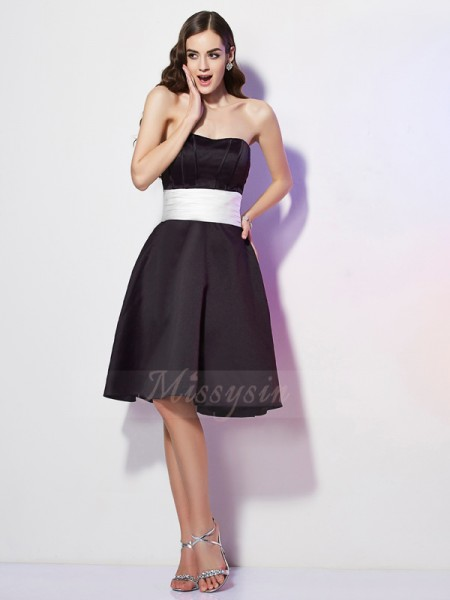 Sheath/Column Sleeveless Sash/Ribbon/Belt Satin Strapless Knee-Length Bridesmaid Dresses