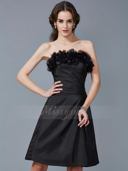 Sheath/Column Sleeveless Hand-Made Flower Taffeta Strapless Knee-Length Dresses