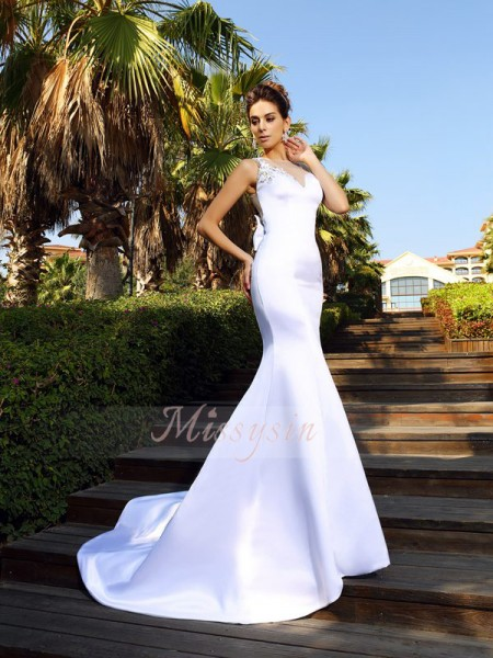 Trumpet/Mermaid Scoop Satin Beading Sleeveless Court Train Dresses