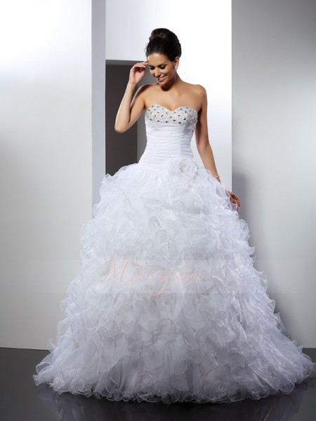 Ball Gown Sweetheart Organza Beading Sleeveless Cathedral Train Wedding Dresses