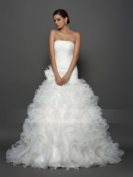 Ball Gown Strapless Organza Hand-Made Flower Sleeveless Cathedral Train Wedding Dresses