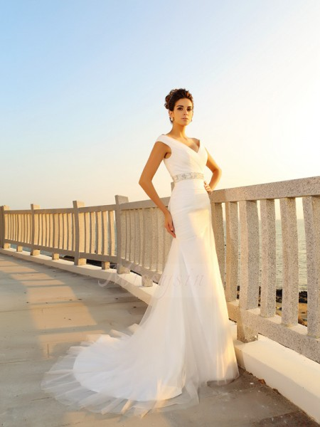 Sheath/Column Net Court Train V-neck Sleeveless Pleats Wedding Dresses