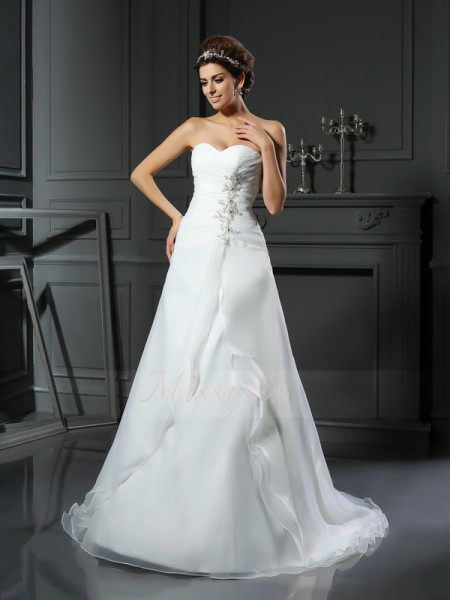 A-Line/Princess Satin Chapel Train Sweetheart Sleeveless Ruched Wedding Dresses