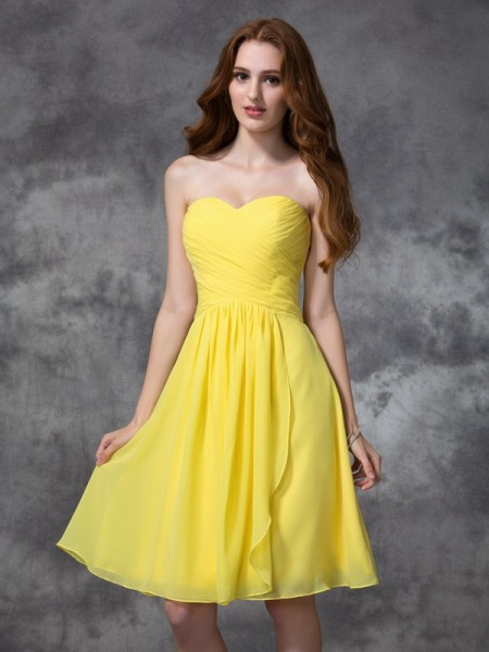 A-line/Princess Sleeveless Sweetheart Ruched Chiffon Knee-length Bridesmaid Dresses