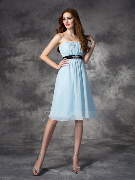 A-line/Princess Sleeveless Strapless Rhinestone Chiffon Knee-Length Bridesmaid Dresses