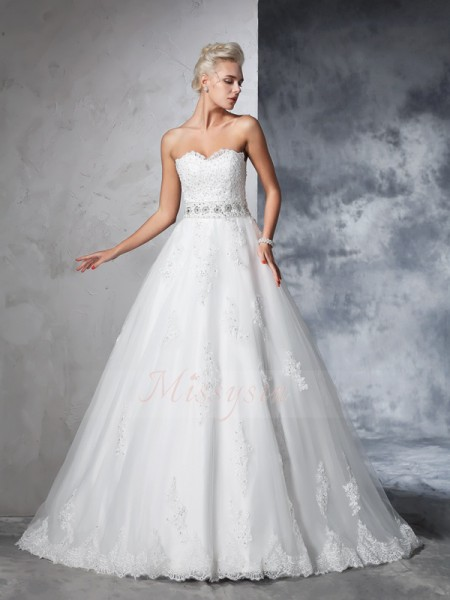 Ball Gown Sleeveless Sweetheart Applique Net Chapel Train Wedding Dresses