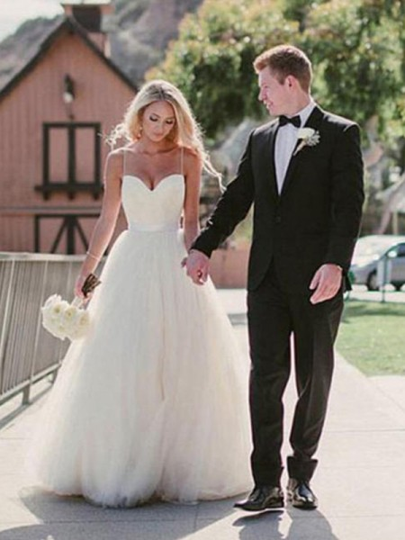 Ball Gown Sleeveless Sweep/Brush Train Sweetheart Sash Tulle Wedding Dresses