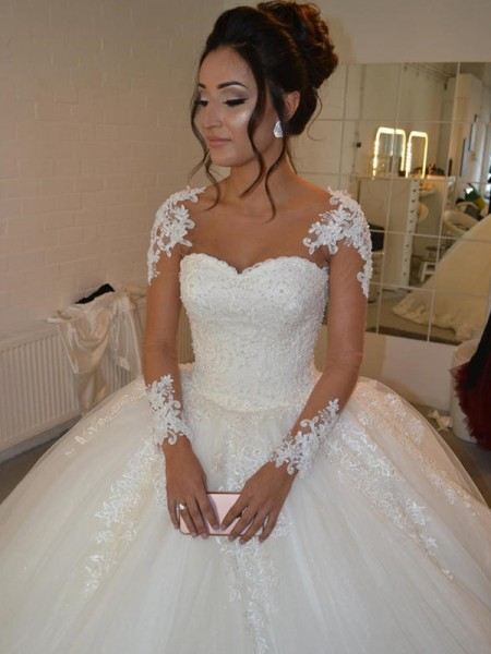 Ball Gown Long Sleeves Court Train Scoop Applique Tulle Wedding Dresses