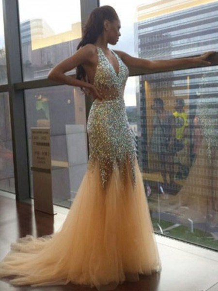 Trumpet/Mermaid Sleeveless Halter Tulle Sequin Court Train Dresses