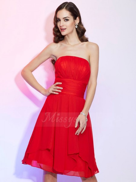 A-Line/Princess Sleeveless Pleats Chiffon Strapless Knee-Length Dresses