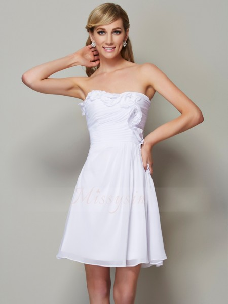 A-Line/Princess Sleeveless Pleats,Applique Chiffon Strapless Short/Mini Bridesmaid Dresses