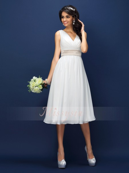 A-Line/Princess V-neck Chiffon Pleats,Sash/Ribbon/Belt Sleeveless Knee-Length Bridesmaid Dresses