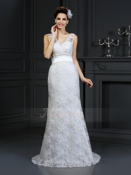 Trumpet/Mermaid Lace Chapel Train Sweetheart Sleeveless Applique Wedding Dresses