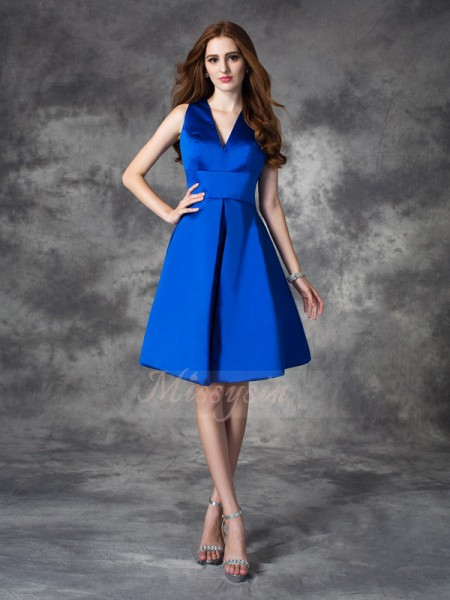 A-line/Princess Sleeveless V-neck Ruched Satin Short/Mini Bridesmaid Dresses