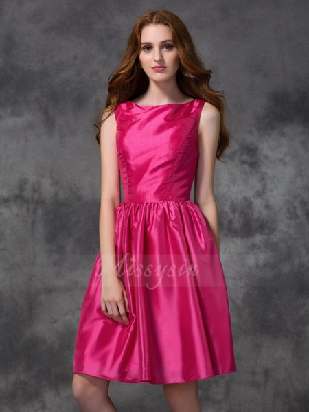A-line/Princess Sleeveless Bateau Ruched Taffeta Knee-length Bridesmaid Dresses