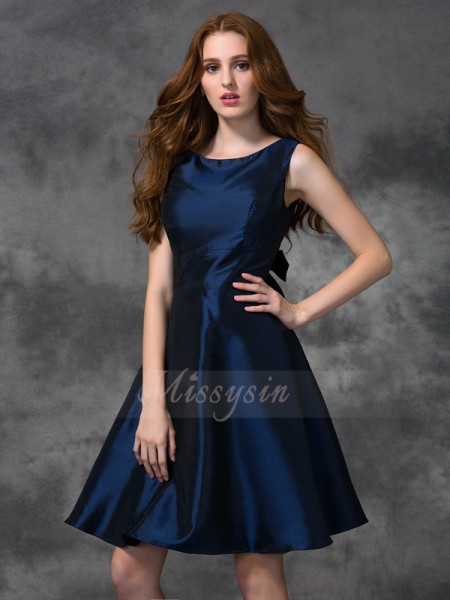 A-line/Princess Sleeveless Scoop Taffeta Knee-length Bridesmaid Dresses