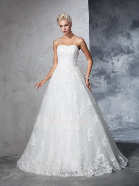 Ball Gown Sleeveless Strapless Lace Court Train Wedding Dresses