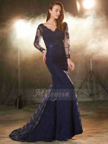 Trumpet/Mermaid Sweep/Brush Train V-neck Lace Applique Sleeveless Dresses