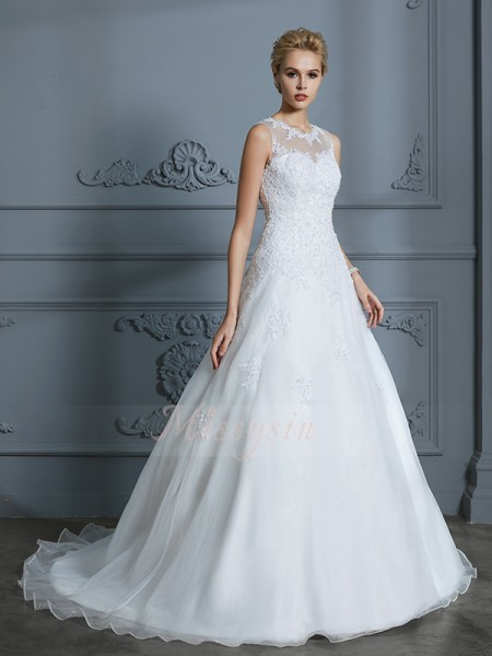 Ball Gown Sleeveless Scoop Tulle Court Train Wedding Dresses
