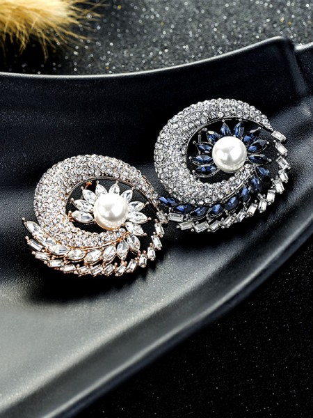 Attractive Alloy With Crystal Womens Brooch