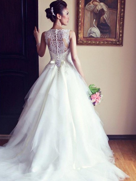 A-Line/Princess Sleeveless Chapel Train Scoop Beading Tulle Wedding Dresses