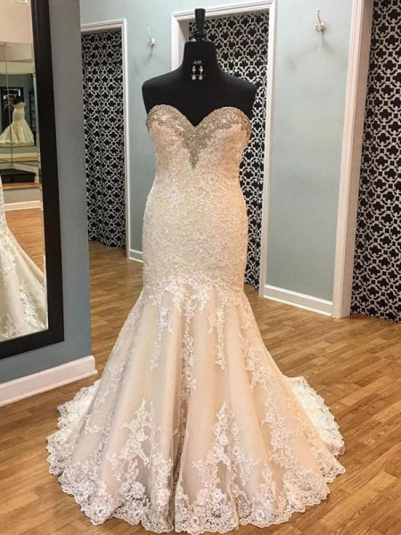 Trumpet/Mermaid Sleeveless Court Train Sweetheart Applique Tulle Wedding Dresses