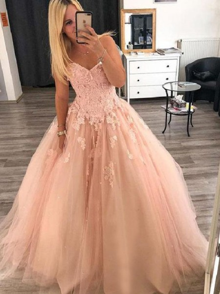 Ball Gown Sleeveless Floor-Length Sweetheart Applique Tulle Dresses