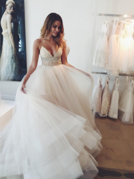 Ball Gown Spaghetti Straps Sleeveless Tulle Crystal Court Train Wedding Dresses