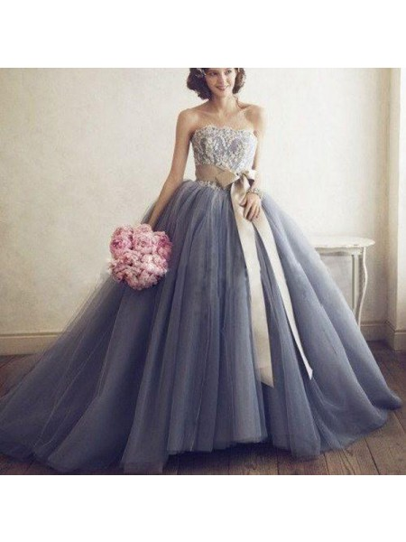Ball Gown Sleeveless Sweetheart Tulle Applique Sweep/Brush Train Dresses