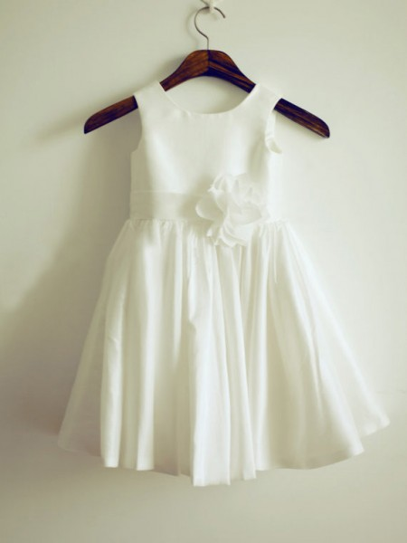 A-Line/Princess Sleeveless Jewel Taffeta Knee-Length Hand-Made Flower Flower Girl Dresses